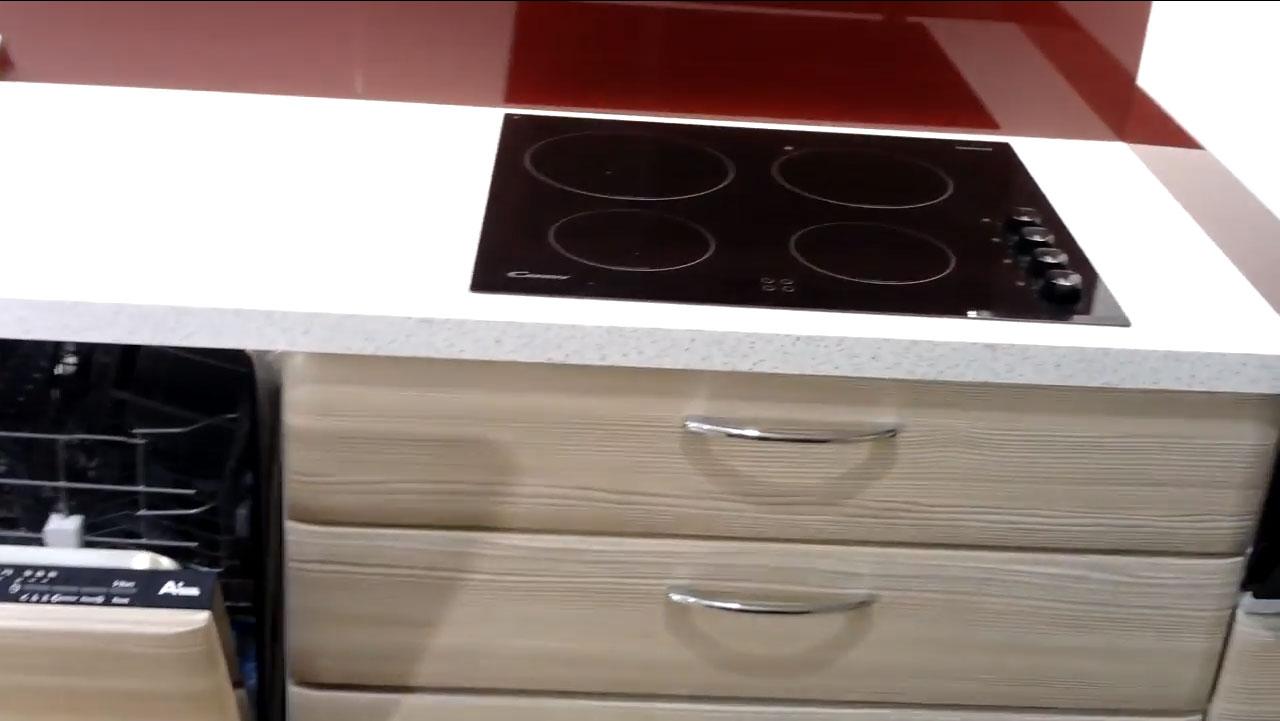 Έτοιμες μονταρισμένες κουζίνες