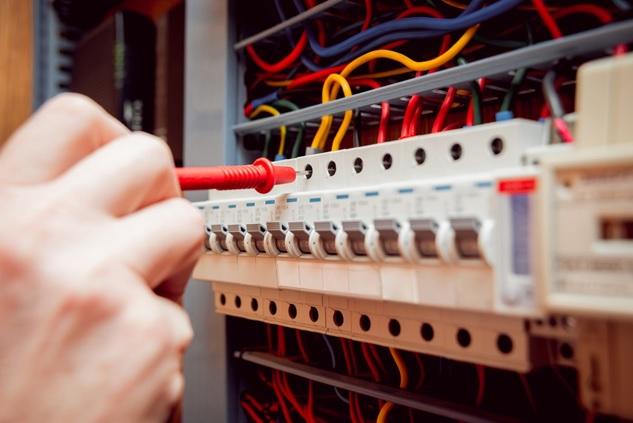 ανακαίνιση στα ηλεκτρολογικά